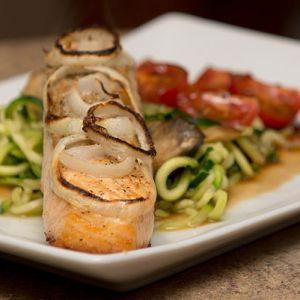 Mangiare pesce per sostenere la sintesi proteica e ridurre l'infiammazione.