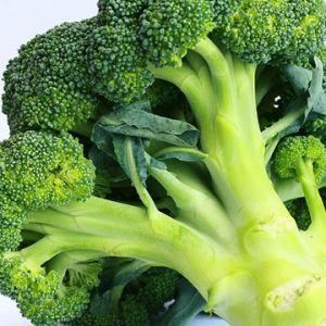 Mangiare verdure a foglia verde e crocifere per migliorare il metabolismo degli estrogeni.