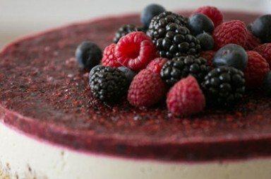 Cheesecake Vegana allo Yogurt e frutti di bosco