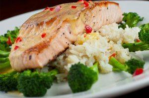 combinare cibi salmone broccoli