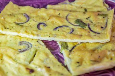 Farinata con asparagi e cipolle di Tropea