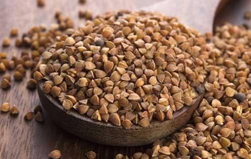 Grano saraceno semi in una ciotola