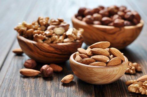 La frutta secca può aiutare a far crescere i muscoli quando abbinata ad esercizi di forza