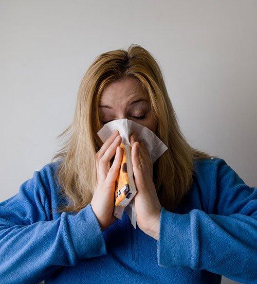 Gli anticorpi che aiutano a prevenire molte malattie e infezioni, sono composti da proteine.