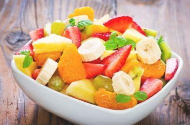 Mangiare frutta a colazione fa bene?