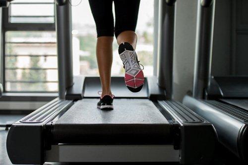 L'interval training può aumentare il consumo di calorie, favorendo la perdita di peso.