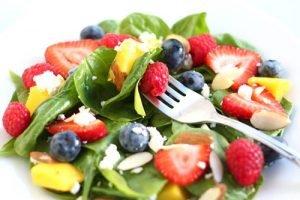 dimagrire mangiando insalata e frutta