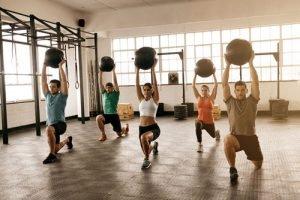 Quante Calorie Si Bruciano in Una Sessione di Esercizi di Forza di 30 Minuti