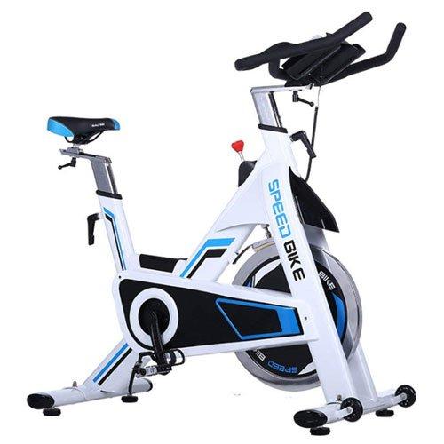 Spinner bike simile a una bici stazionaria ma più solida
